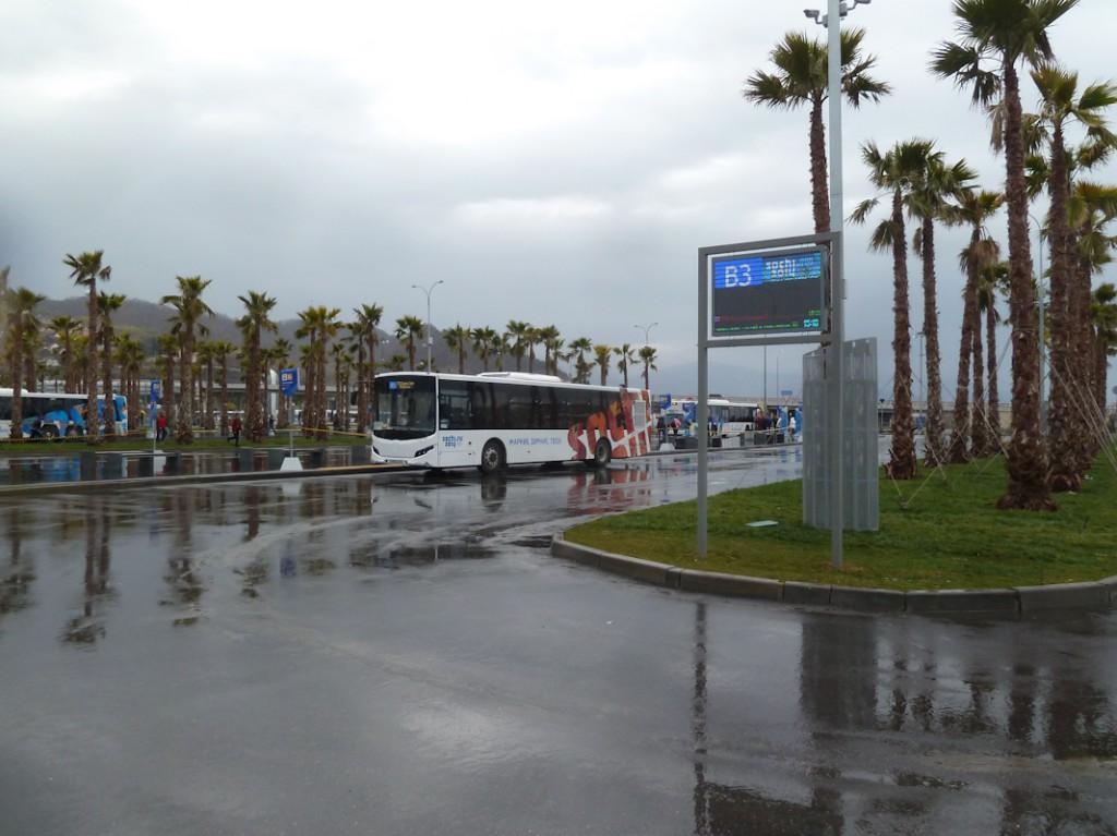 Работа информационных остановочных табло, отображающих прогноз прибытия автобусов по каждому марщруту